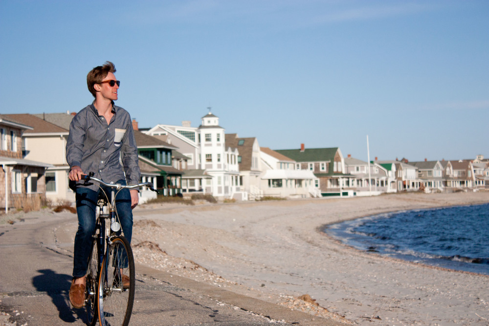 jim-alue-optics-two-sunglasses-boardwalk-bike