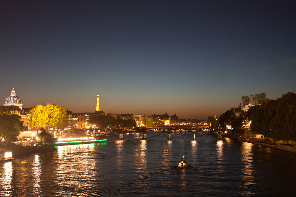 alue-optics-river-seine-paris-dusk.jpg