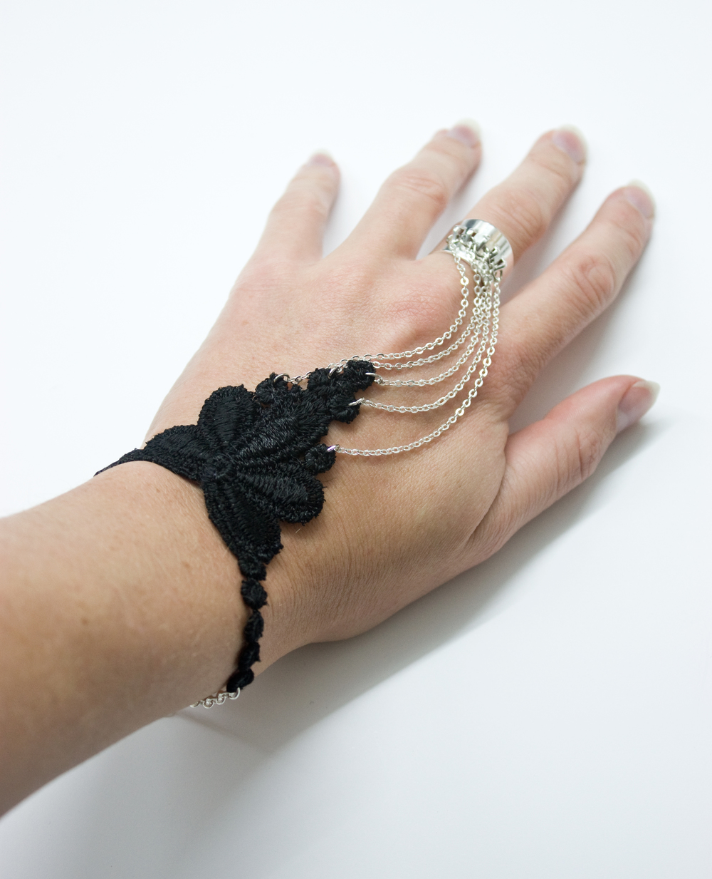 Handlace bracelet (SOLD OUT)