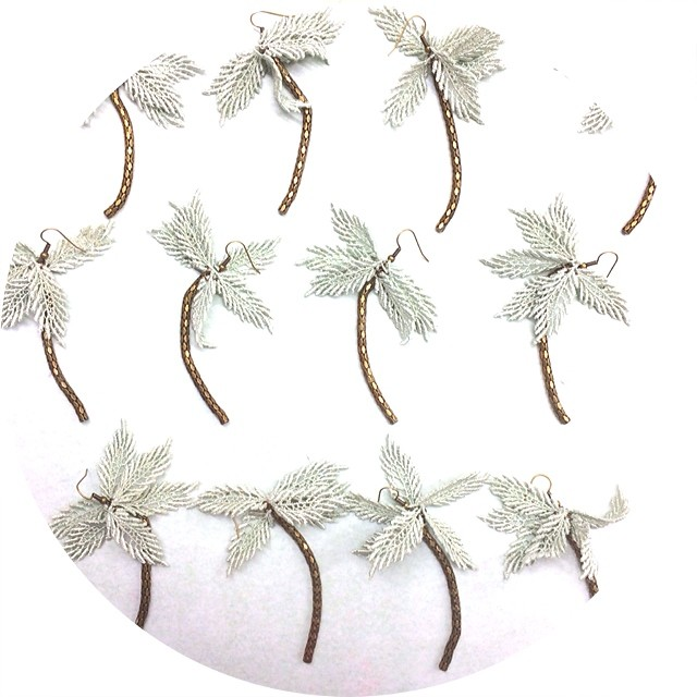 Dancing #palmtrees … The last pairs #tropical #earrings #lace #handmade