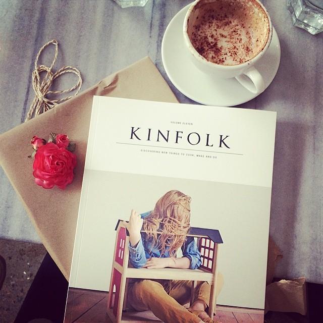 Merci pour le merveilleux cadeau @missnoemiah!!! #kinfolk #gift #arhoma #café #magazine #book