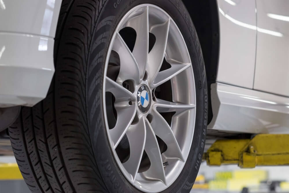 BMW-brake-pad-repair-service-maintenance-San-Diego