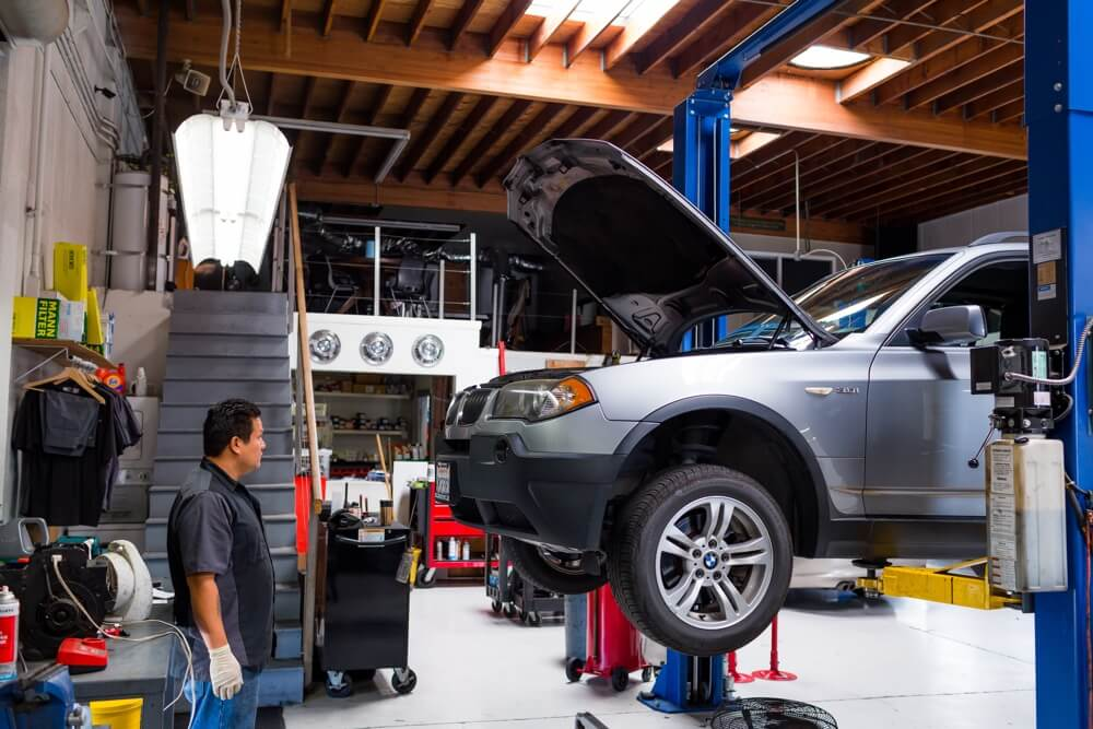 BMW scheduled service at B and B Autohaus San Diego.