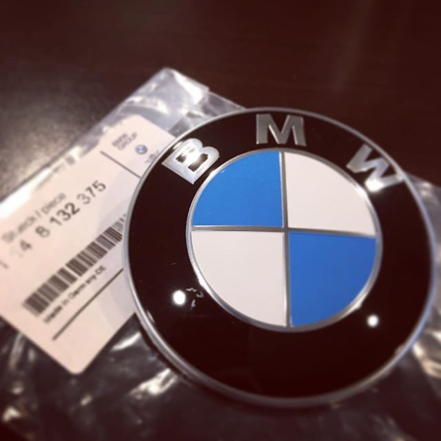 Sometimes just swapping this little guy out makes all the difference. #bmw #bmwroundel #freshinup #sandiego #bandbautohaus
