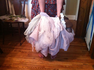 blog+fairy+skirt+hold+up.JPG