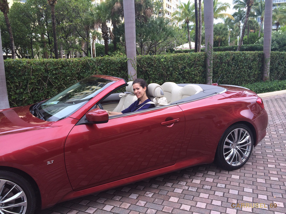 topless-miami-2014-07.jpg