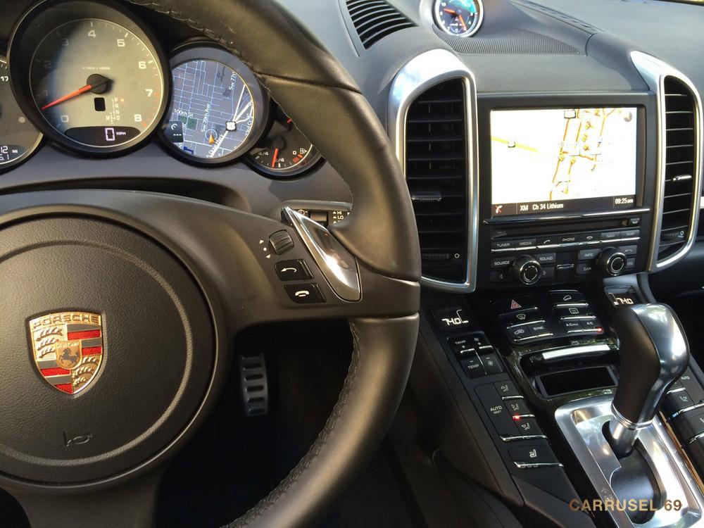 Porsche-Cayenne-S-2014-03.jpg