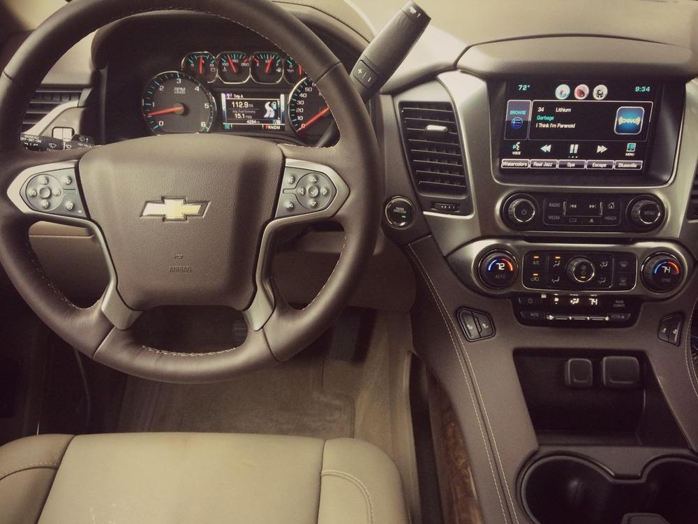 Chevrolet-Tahoe-2015-04.jpg