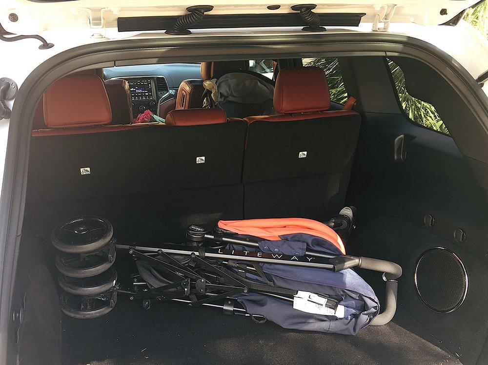 Jeep_Grand_Cherokee_Trackhawk_2018_10.jpg