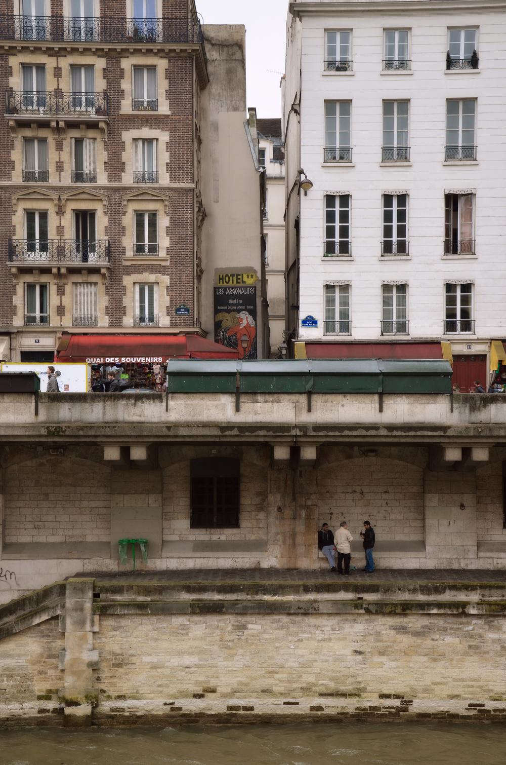 a view of the quaie de la seine from ile de la cité
