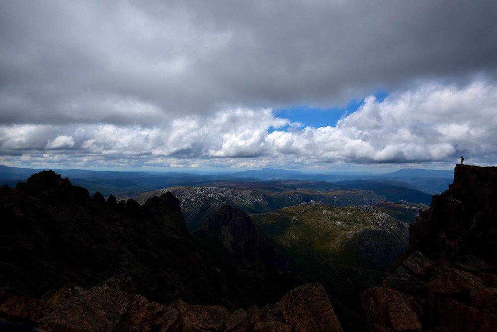 cradle_mountain_dark_fg_tasmania.jpg