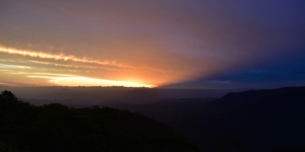 blue_mountains_sunset.jpg