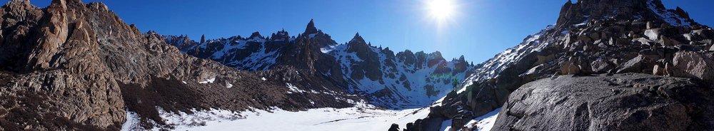 refugio_frey_candice_mountains_pano.jpg