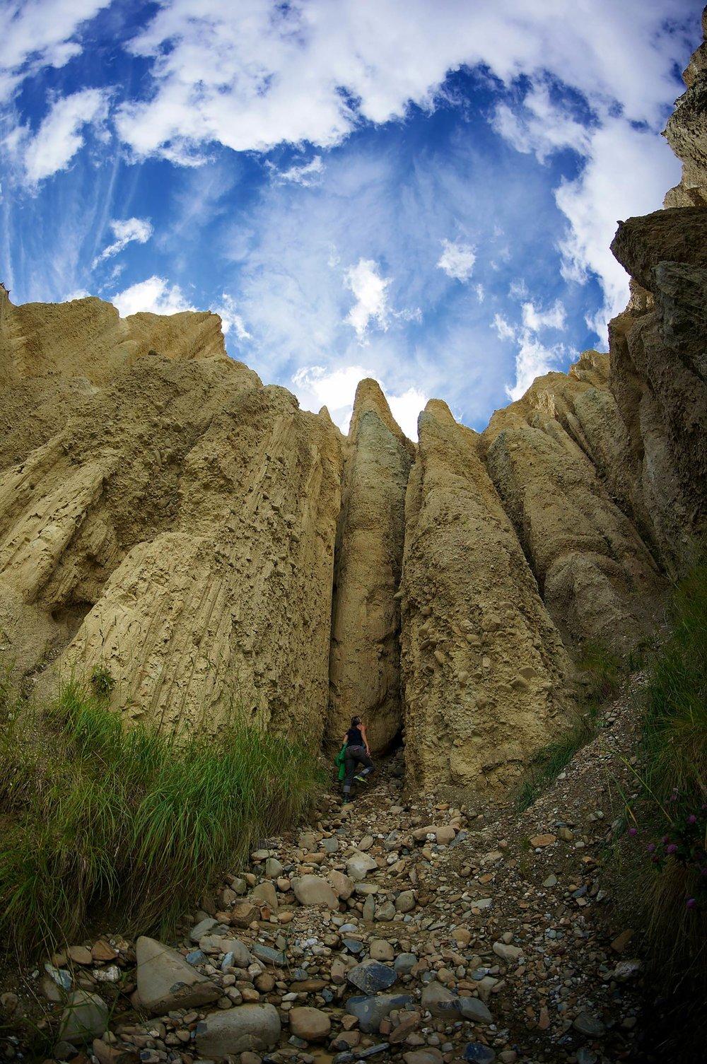 omarama_clay_cliffs1.jpg
