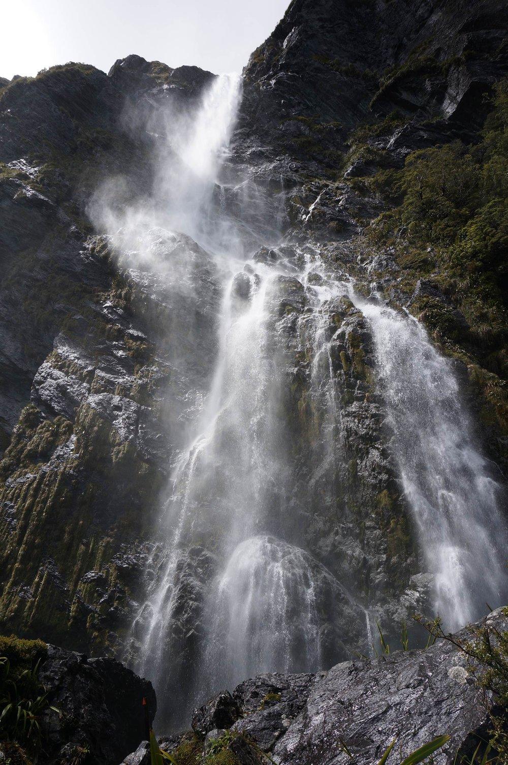 milford_sound_waterfall.jpg