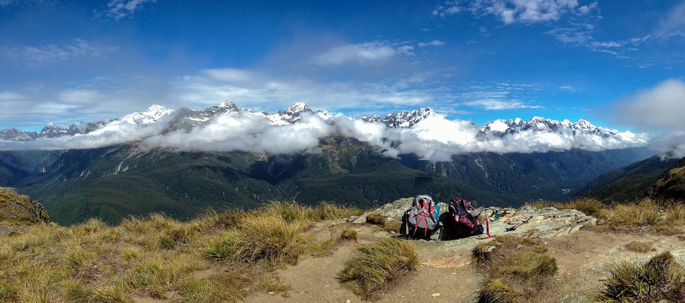 routeburn_track_backpacks_mountains_pano1.jpg