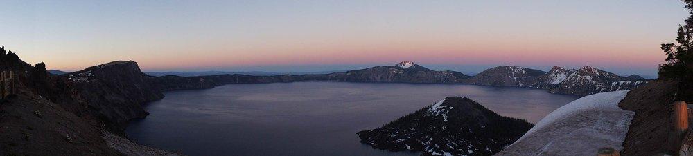 crater_lake_oregon_sunset_pano.jpg