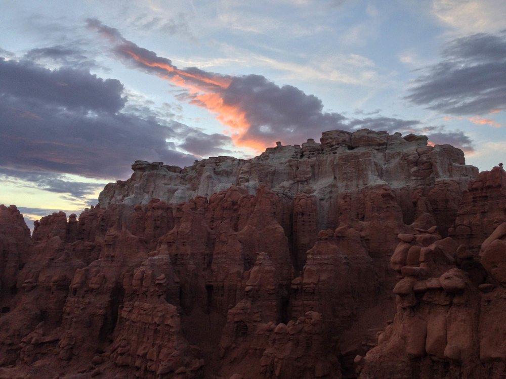 goblin_valley_rocks2.jpg