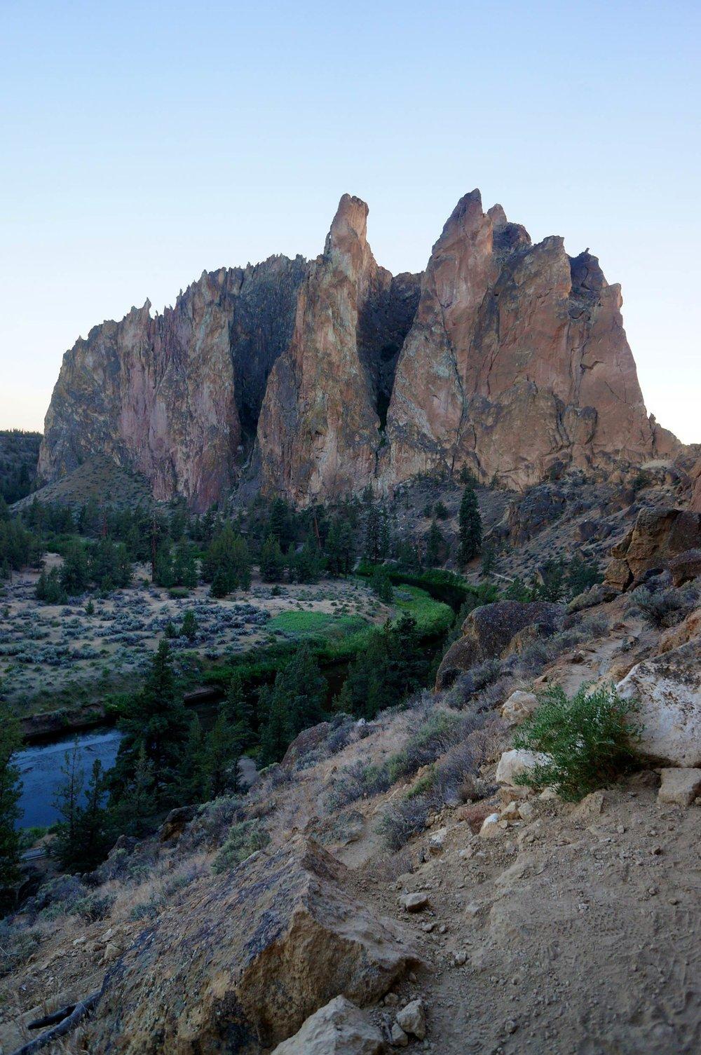 smith_rock_state_park_river_peaks.jpg