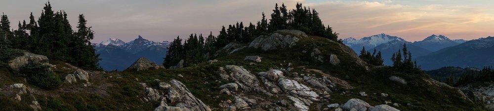 sproatt_alpine_trail_pano_black_tusk.jpg