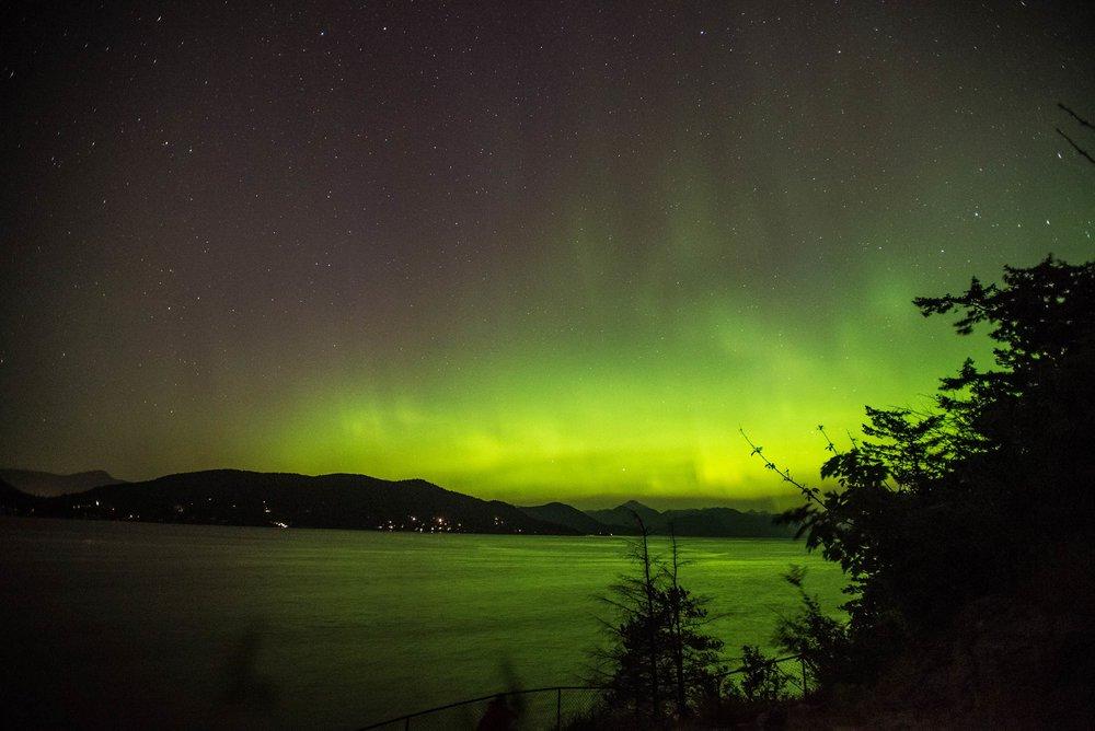 whytecliff_park_aurora1.jpg