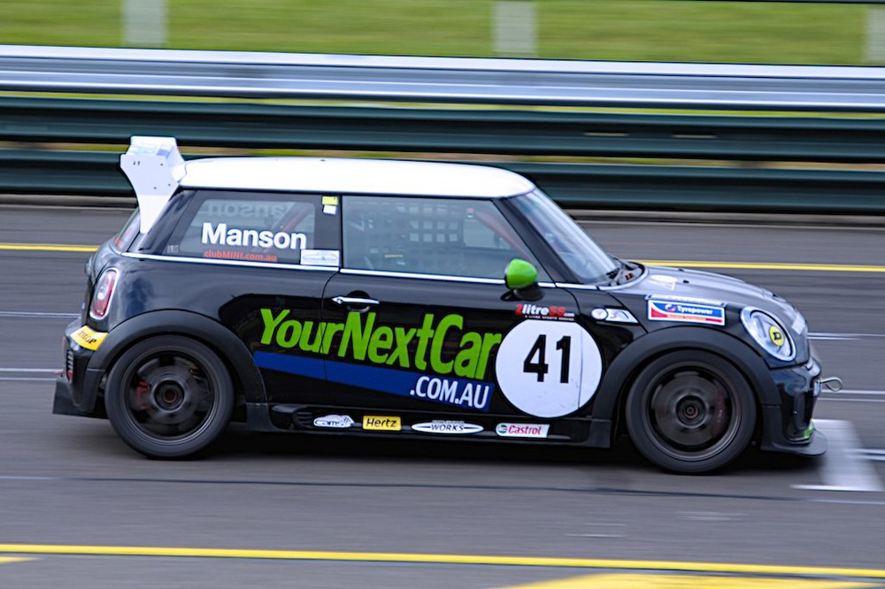 Mini down main straight at Sandown