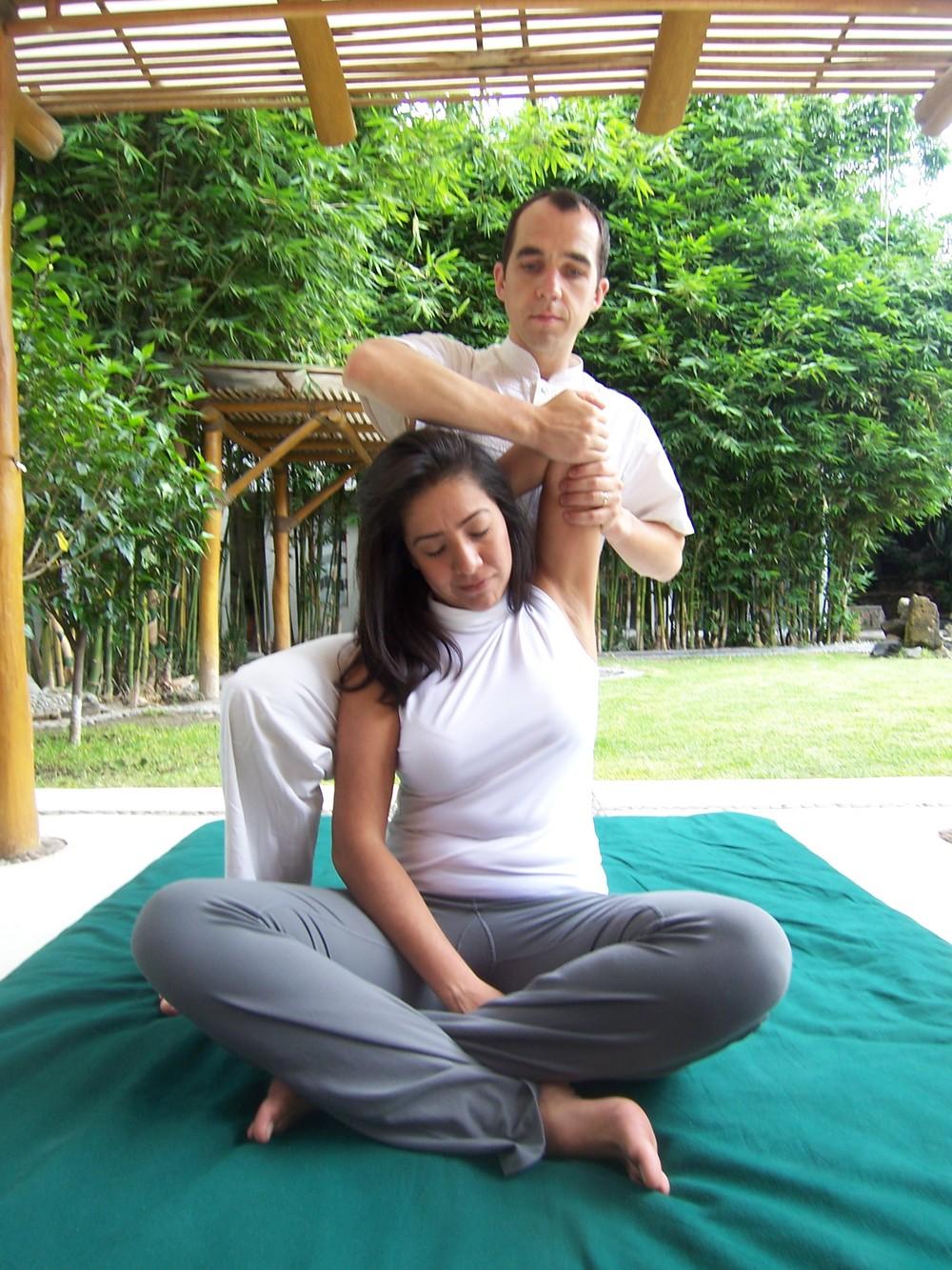 thai yoga massage live well spa wellness centre. Black Bedroom Furniture Sets. Home Design Ideas