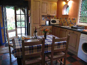 Self Catering Cottage Pembrokeshire - Kitchen Table