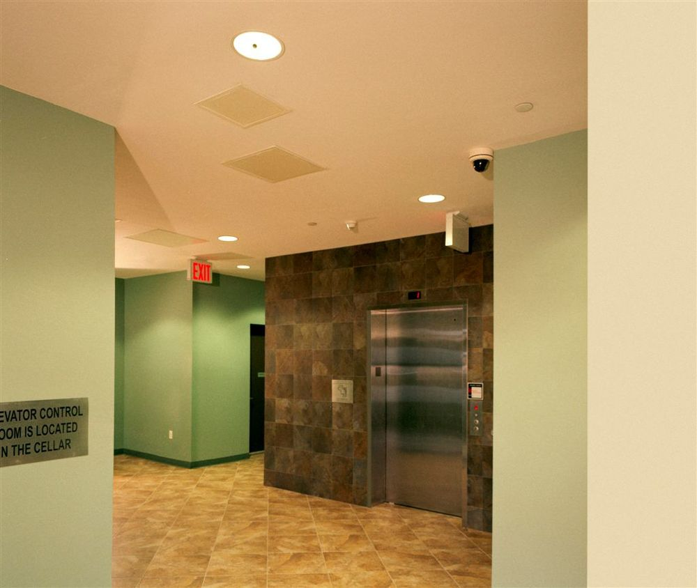 St John Hallway Elevator 07-27-12.JPG