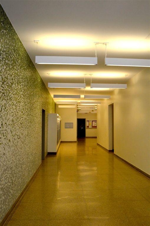 Lobby 1-1.jpg
