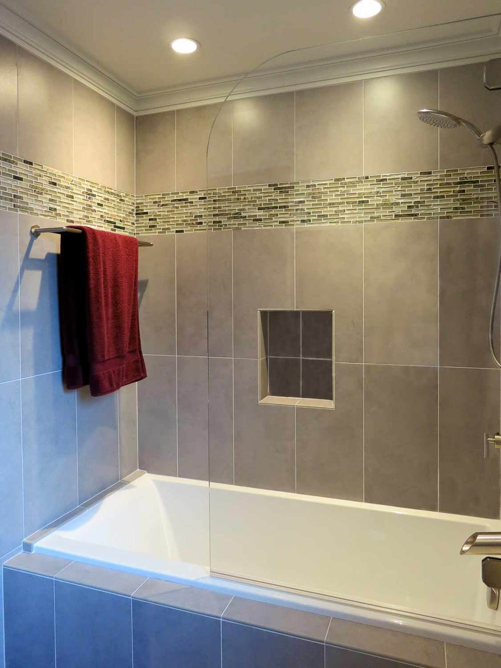 Contemporary Shower Bathtub