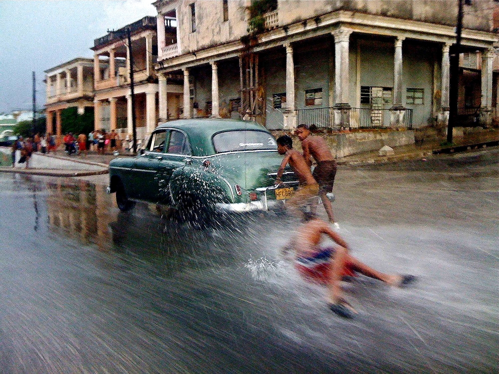Cuban Car Surfers
