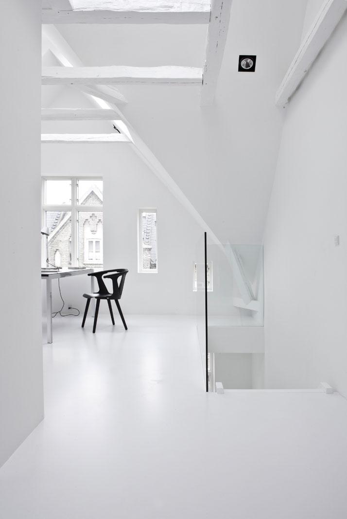 Copenhagen-Townhouse-II-by-Norm-Architects-photo-Jonas-Bjerre-Poulsen-yatzer-18.jpg