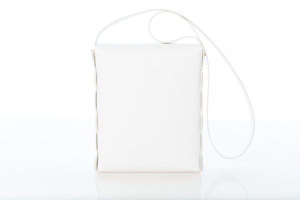 white_leather_bag_grande.jpg