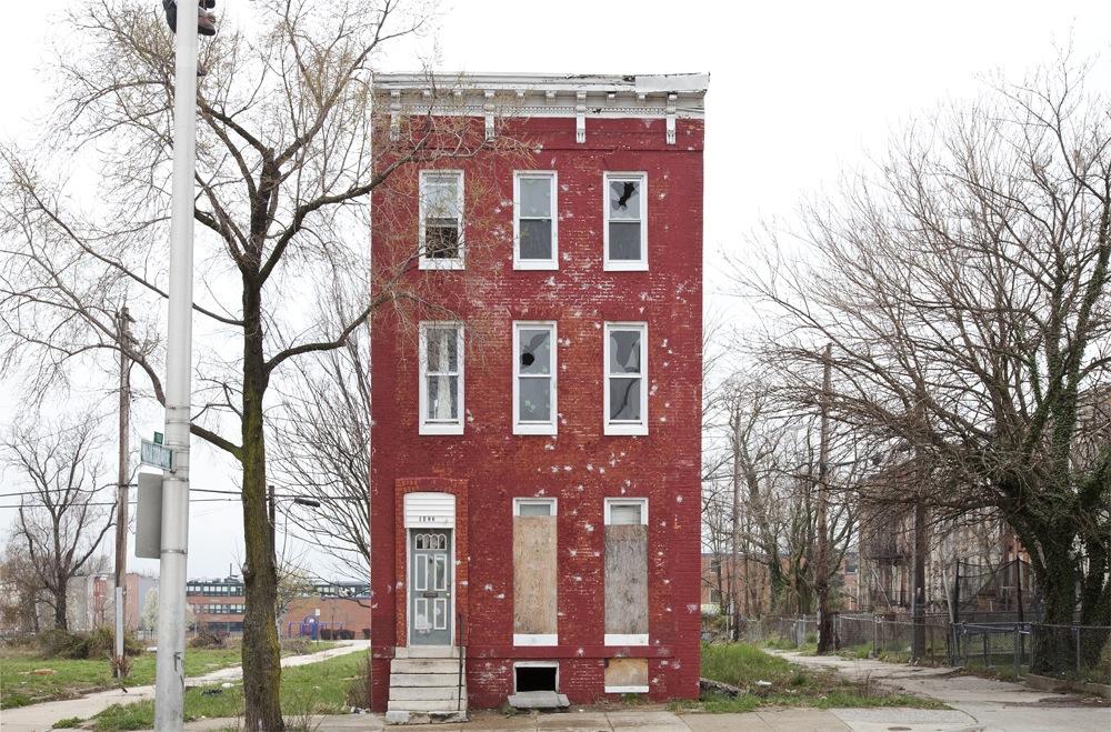 Last House Standing. By Ben Marcin •baraperglova.com/blog