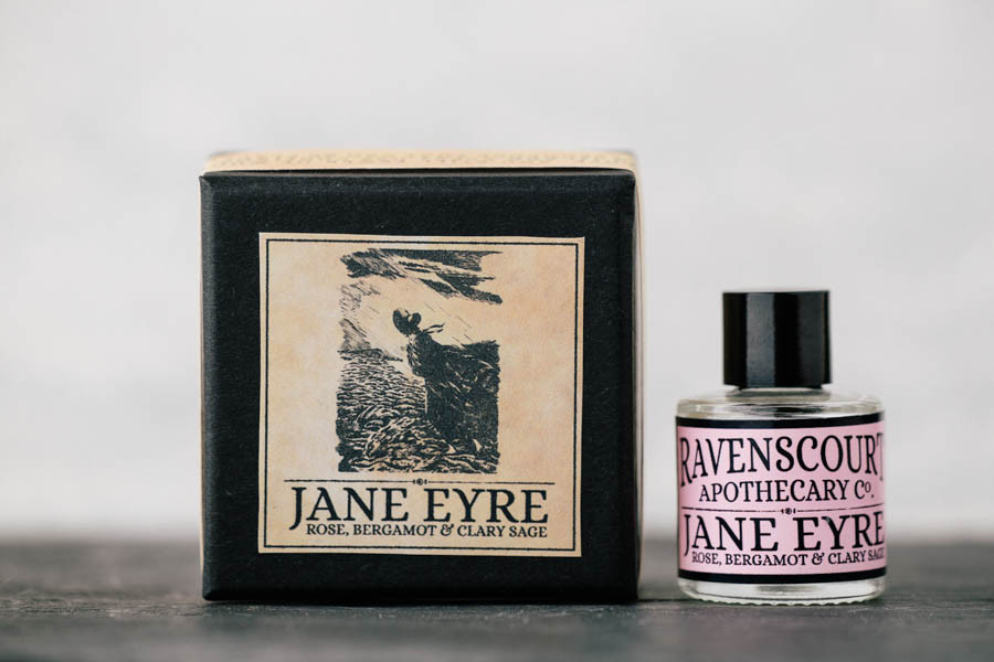 Botanický olejový parfém Jana Eyrová | HNST.LY
