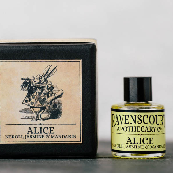 alice perfume_ctverec.jpg
