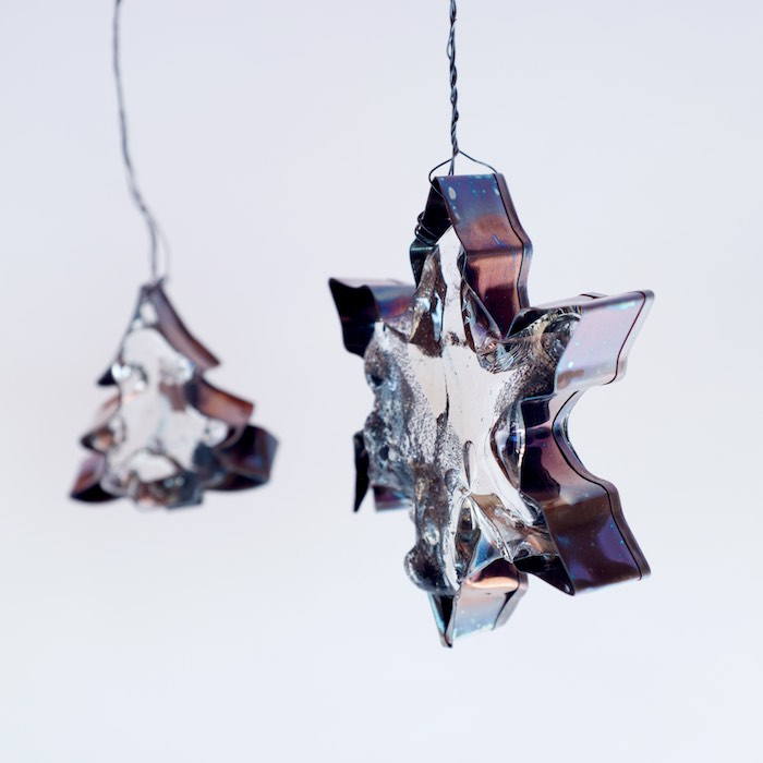 crooked xmas cookies of glass, copper and steel