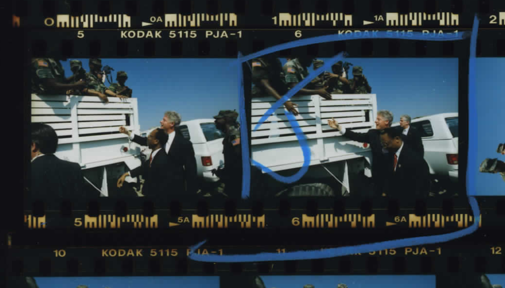 President Clinton and Aristide at Warrior Base on March 31, 1995 (Photo sheet: P025997)