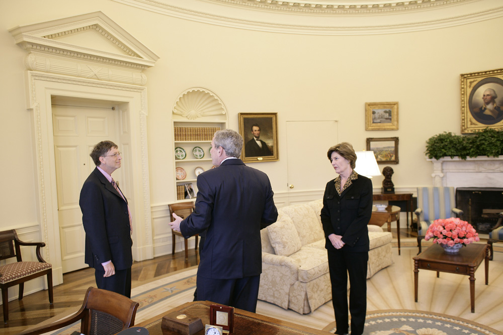 Lunch and Oval Office photo opportunity with Bill Gates and President George W. Bush on March 15, 2006.  M1Hi_j0001 (George W. Bush Presidential Library and Museum)