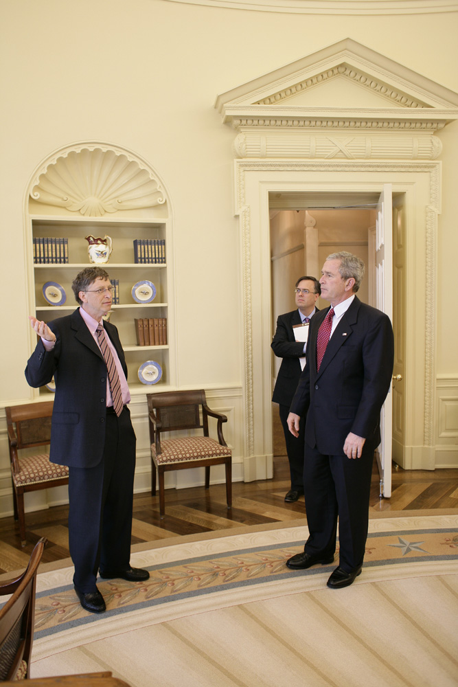 Lunch and Oval Office photo opportunity with Bill Gates and President George W. Bush on March 15, 2006. This event also included Mrs. Laura Bush and Mike Gerson.  M1Hi_j0246 (George W. Bush Presidential Library and Museum)