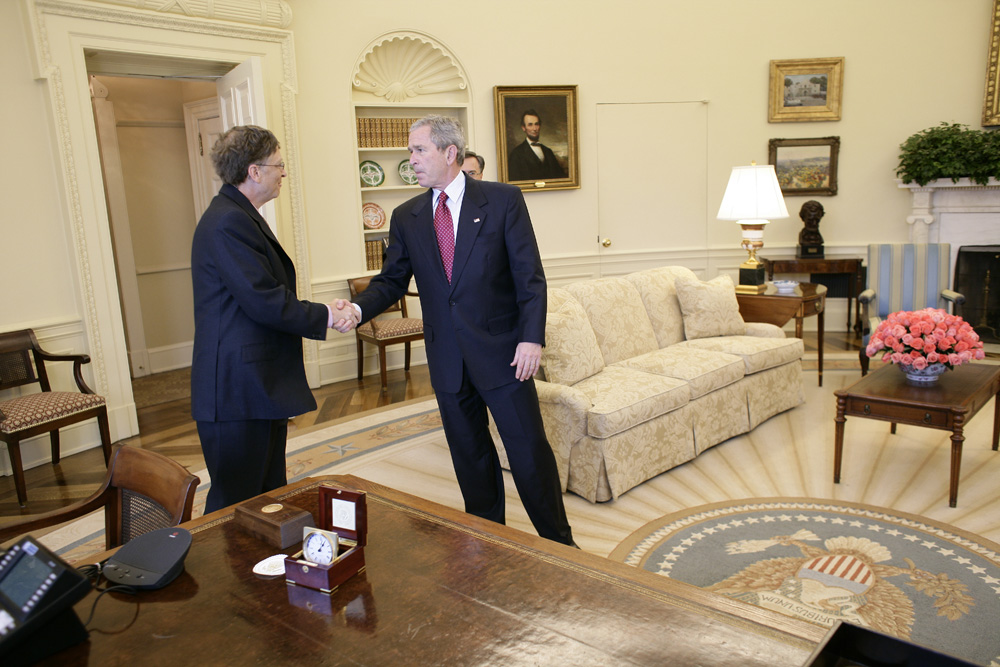 Lunch and Oval Office photo opportunity with Bill Gates and President George W. Bush on March 15, 2006. This event also included Mrs. Laura Bush and Mike Gerson.  M1Hi_j0250 (George W. Bush Presidential Library and Museum)