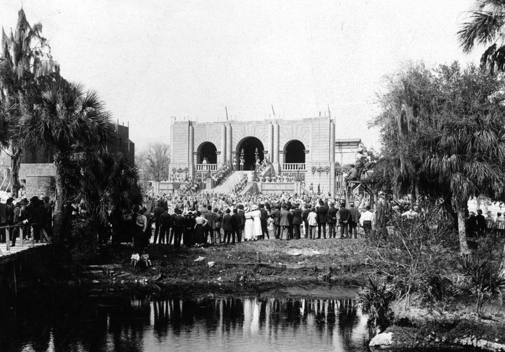 Behind the scenes during filming of  The Birth of a Race  (1918) at Sulphur Springs in Hillsborough County, Florida ( Florida State Archives )