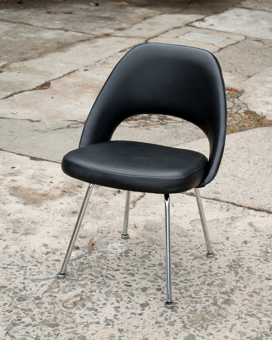 Vintage Eero Saarinen Executive Side Chair For Knoll