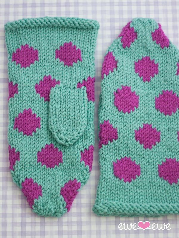 Spotlight Free Knitting Patterns Babies : Hot Spot Mittens Knitting Pattern   Ewe Ewe Yarns