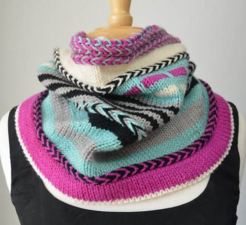 Yipes Stripes Cowl