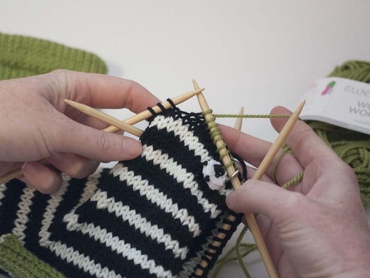 part 4 closing the toe and kitchener stitch ewe ewe yarns