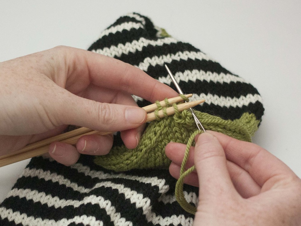Sewing the Kitchener Stitch