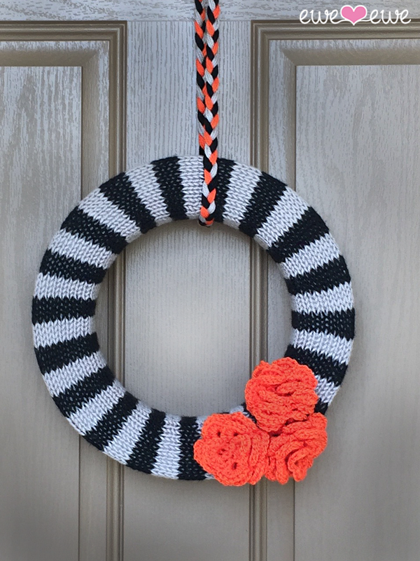 Halloween knitted wreath