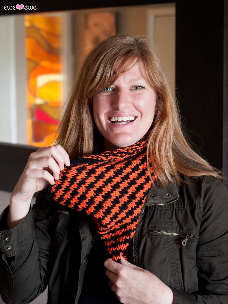Halloween Houndstooth {free cowl knitting pattern} — Ewe Ewe Yarns
